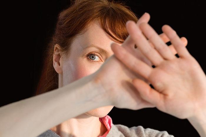 Sosyal Fobiyi Daha İyi Anlamanıza Yardımcı Olacak 10 Şey