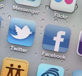 Telefonunu/sosyal medya hesaplarını kontrol etmek